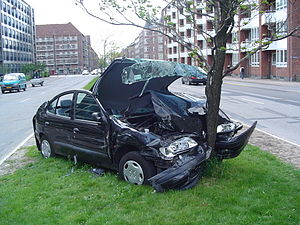 300px Car crash 11 Florida Residents: What to Do if You are Involved in an Automobile Accident